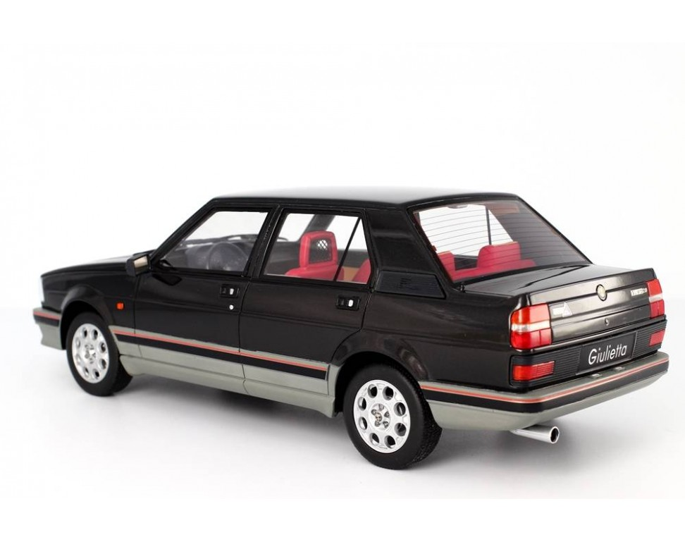 alfa romeo giulietta 2 0 turbodelta 1983 model reduit 1 18 laudoracing. Black Bedroom Furniture Sets. Home Design Ideas