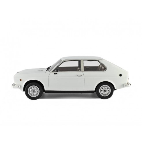 Fiat 128 3P 1100 1975 1:18 LM106E