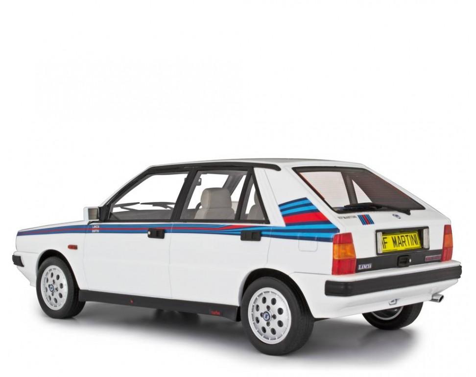 "Car Seat Disposal >> Lancia Delta 1600 HF Turbo ie S.S.Martini ""R86"" (3° serie - mercato UK) 1986 Model car 1:18 ..."